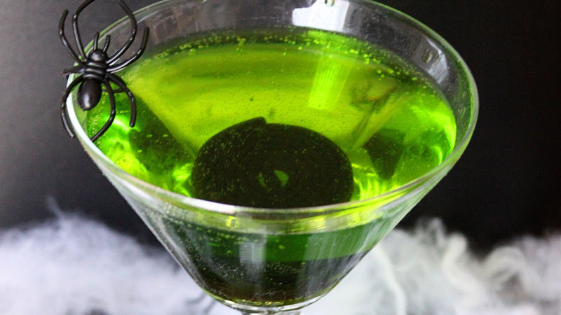 Fizzy Ghoul Halloween Cocktail Recipe